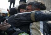 باشگاه خبرنگاران - عکس/ نجات یک آتش نشان از زیر آوار