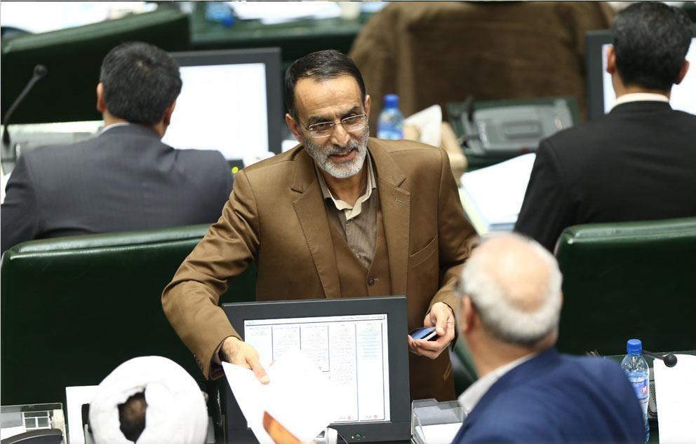 «جواد» علیه «جواد»! / تشنج «ظریف» در پارلمان/ لامصب بذار حرف بزنه ...!