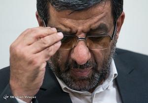سکوتِ برخی در 88، جبهه دشمن را تقویت کرد/قبول ندارم به احمدینژاد فرصت ویژهای داده شد/ مخالف پخش گزارش 100 روزه روحانی بودم
