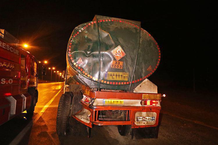 برخورد کامیون با تریلی حمل سوخت حادثه آفرید + تصاویر