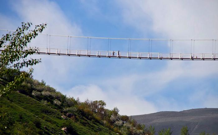 بزرگترین پل معلق خاورمیانه را در این منطقه از کشور ببینید