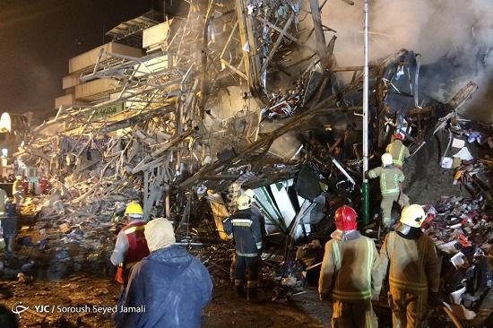 جزییات حادثه پاساژ پلاسکو/ تلاش ها برای آوار برداری همچنان ادامه دارد+عکس و فیلم