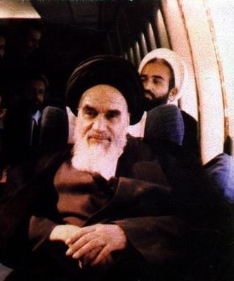 پرواز انقلاب از پاریس تا تهران