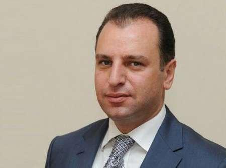 وزیر دفاع ارمنستان به مقام شامخ بنیانگذار جمهوری اسلامی ایران ادای احترام کرد