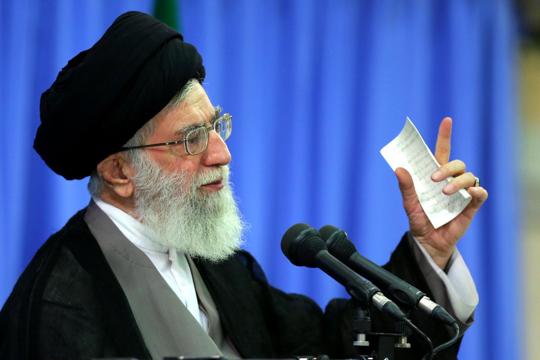 عبرتهای انقلاب اسلامی از نگاه مقام معظم رهبری چیست؟