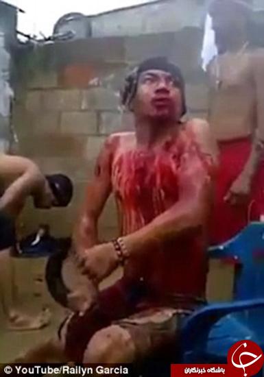 مراسم جنگیری عجیب با خون +تصاویر