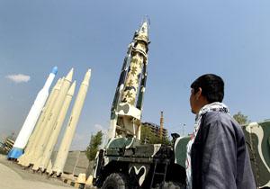 36 پايگاه آمريکا در منطقه در تيررس موشکهاي ايران است