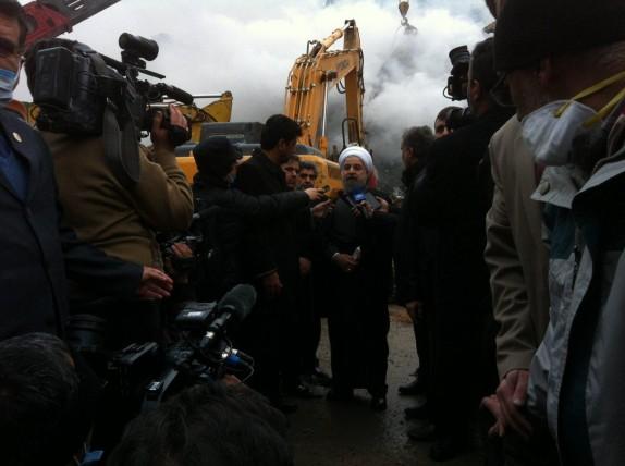 آواربرداریها باید تا خارج شدن همه افراد زیر آوار ادامه پیدا کند/این حادثه هشداری برای همه مسئولان بود