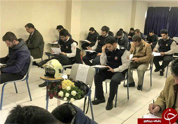 جای خالی آتش نشان شهید در جلسه امتحان+ عکس