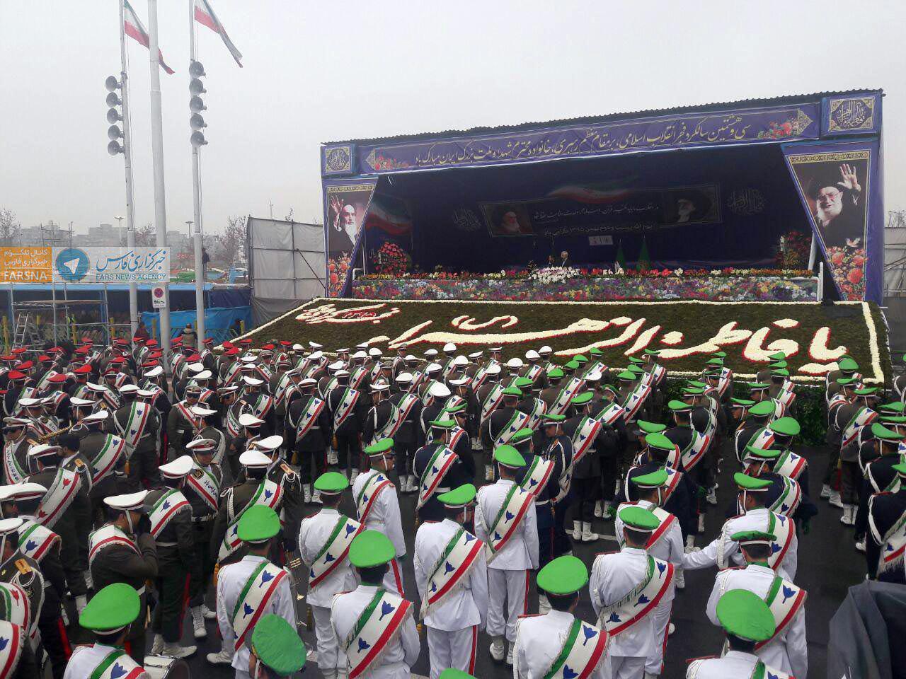 22 بهمن با حضور پرشور مردم آغاز شد/از حضور ی آتش نشان تا نمایش اقتدار ملی در خیابان +تصاویر