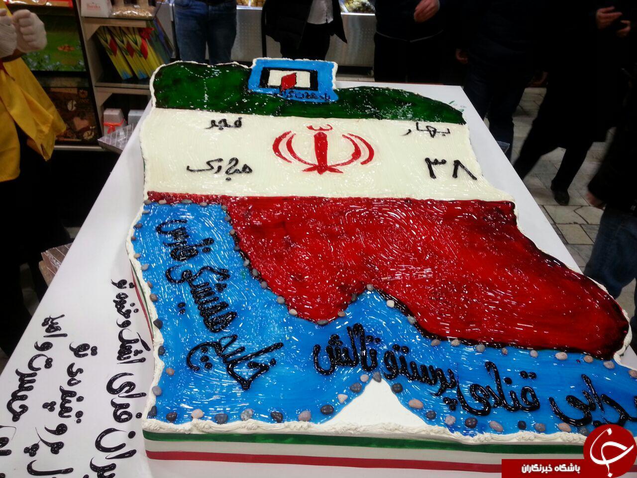 کیک 150 کیلویی به مناسبت پیروزی انقلاب , کیک 150 کیلویی در تالش , پخت کیک 150 کیلویی