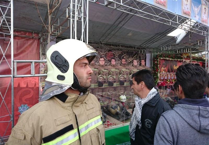 تجهیزات باقیمانده از شهدای آتشنشان در راهپیمایی ۲۲ بهمن+ تصاویر