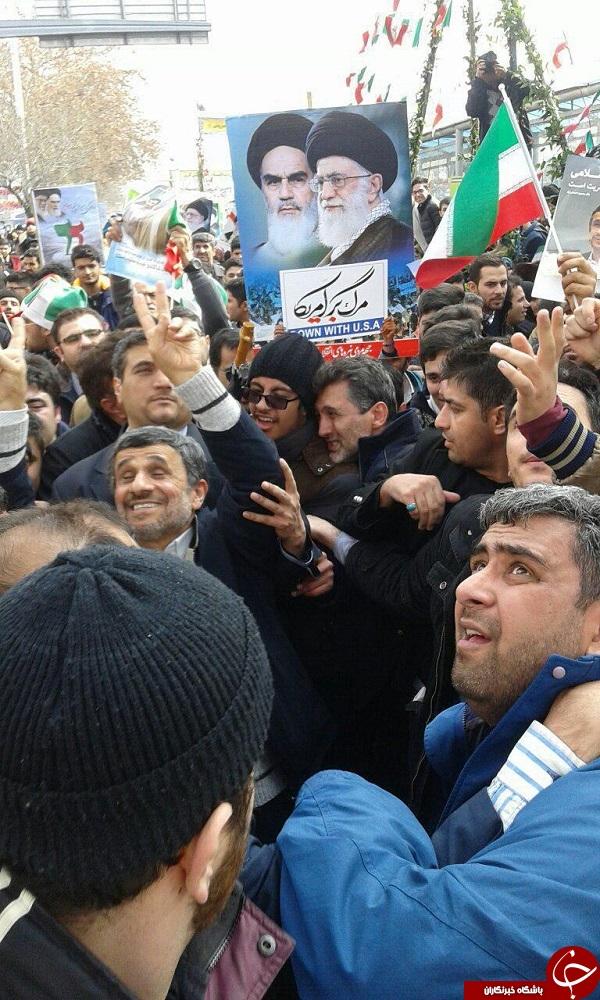 حضور حاشیه ساز احمدی نژاد درراهپیمایی 95 احمدی نژاد درراهپیمایی 22 بهمن 95, حاشیه حضور احمدی نژاد در راهپیمایی , احمدی نژاد