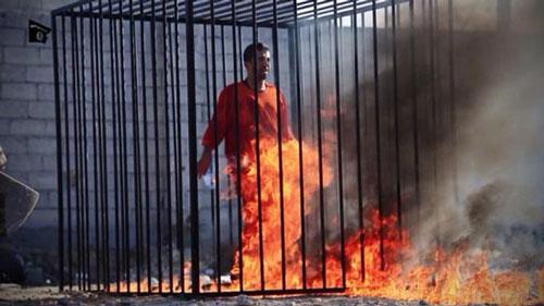 ویدئویی از جزئیات اعدام یک خلبان توسط داعش