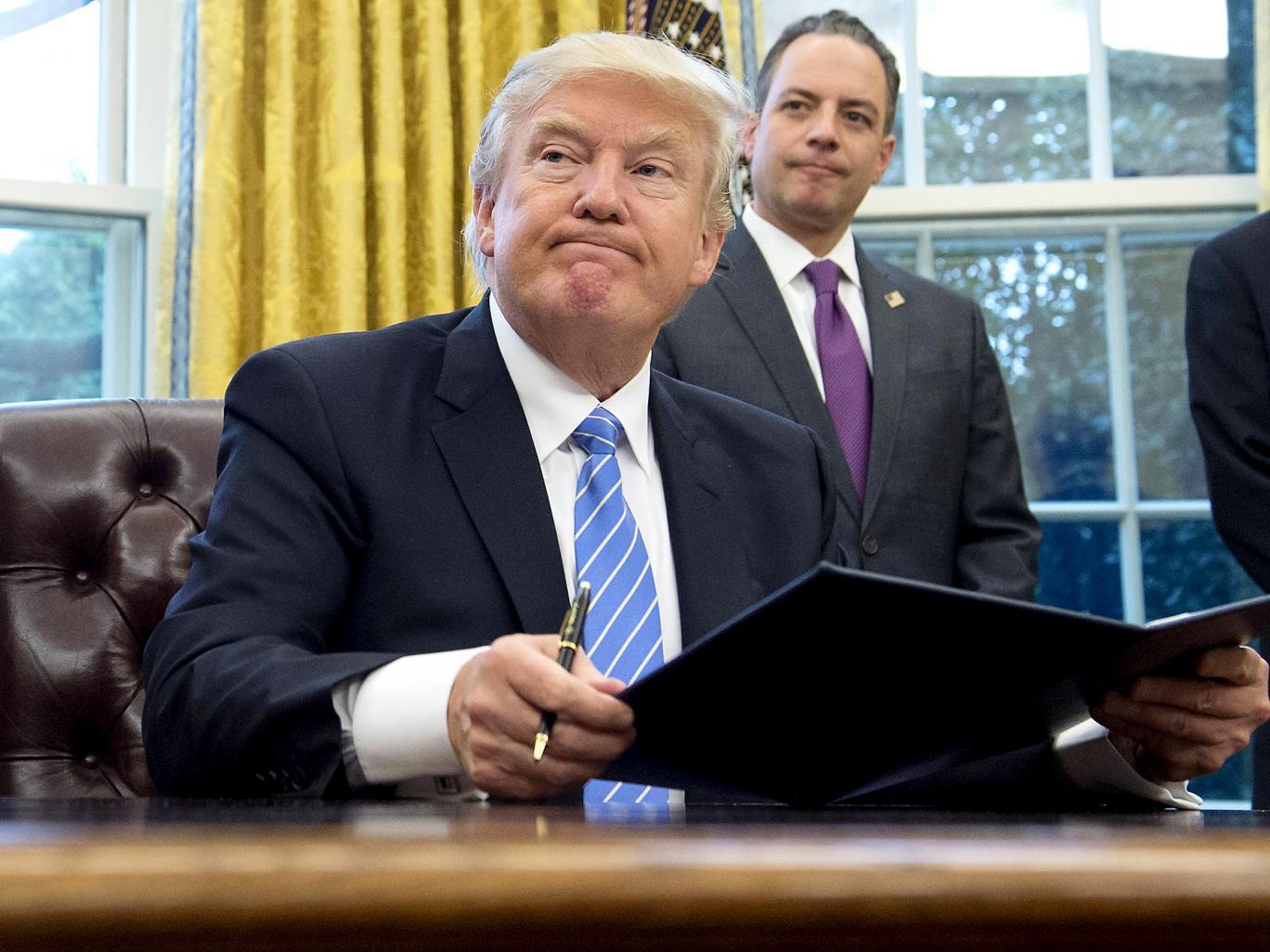 کاهش 15 درصدی محبوبیت ترامپ در کمتر از یک ماه