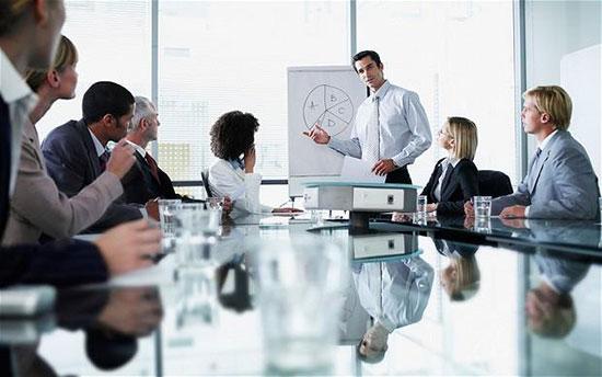 چطور می توانیم در محیط کارمان موفق باشیم؟