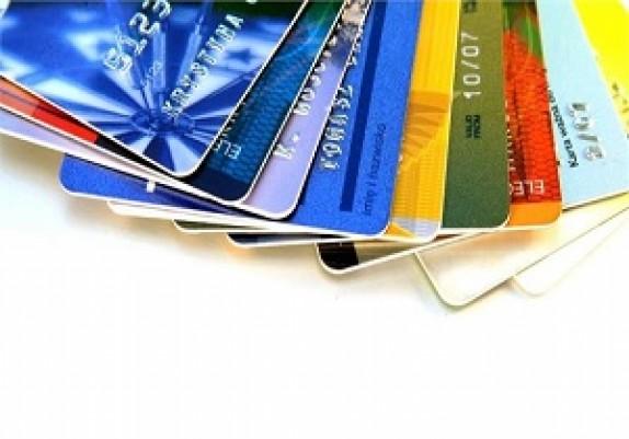 باشگاه خبرنگاران - همین حالا رمز کارت بانکی خود را عوض کنید/ کارتهای بانکی همچنان کپی میشوند، مردم به دنبال پولهای خود!