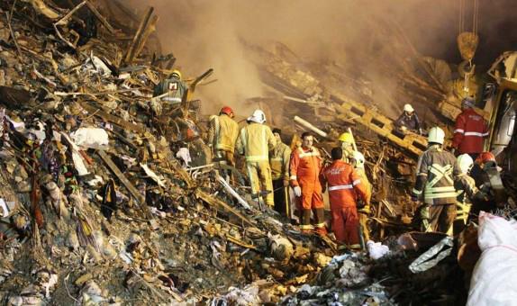 باشگاه خبرنگاران - حادثه پلاسکو به روز ششم رسید/ هویت یکی از آتش نشانان شناسایی نشده است+ عکس