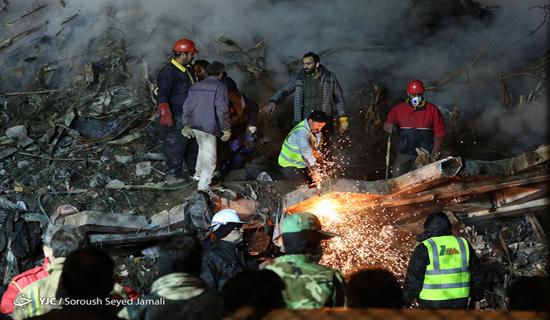 هشتمین روز حادثه پلاسکو/ نهمین پیکر شهید آتش نشان از زیر آوار خارج شد