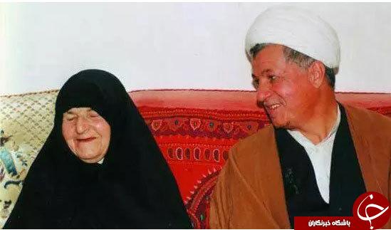 تصویری از آیت الله هاشمی در کنار مادرش