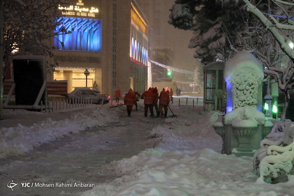 بارش شدید برف در مشهد مقدس
