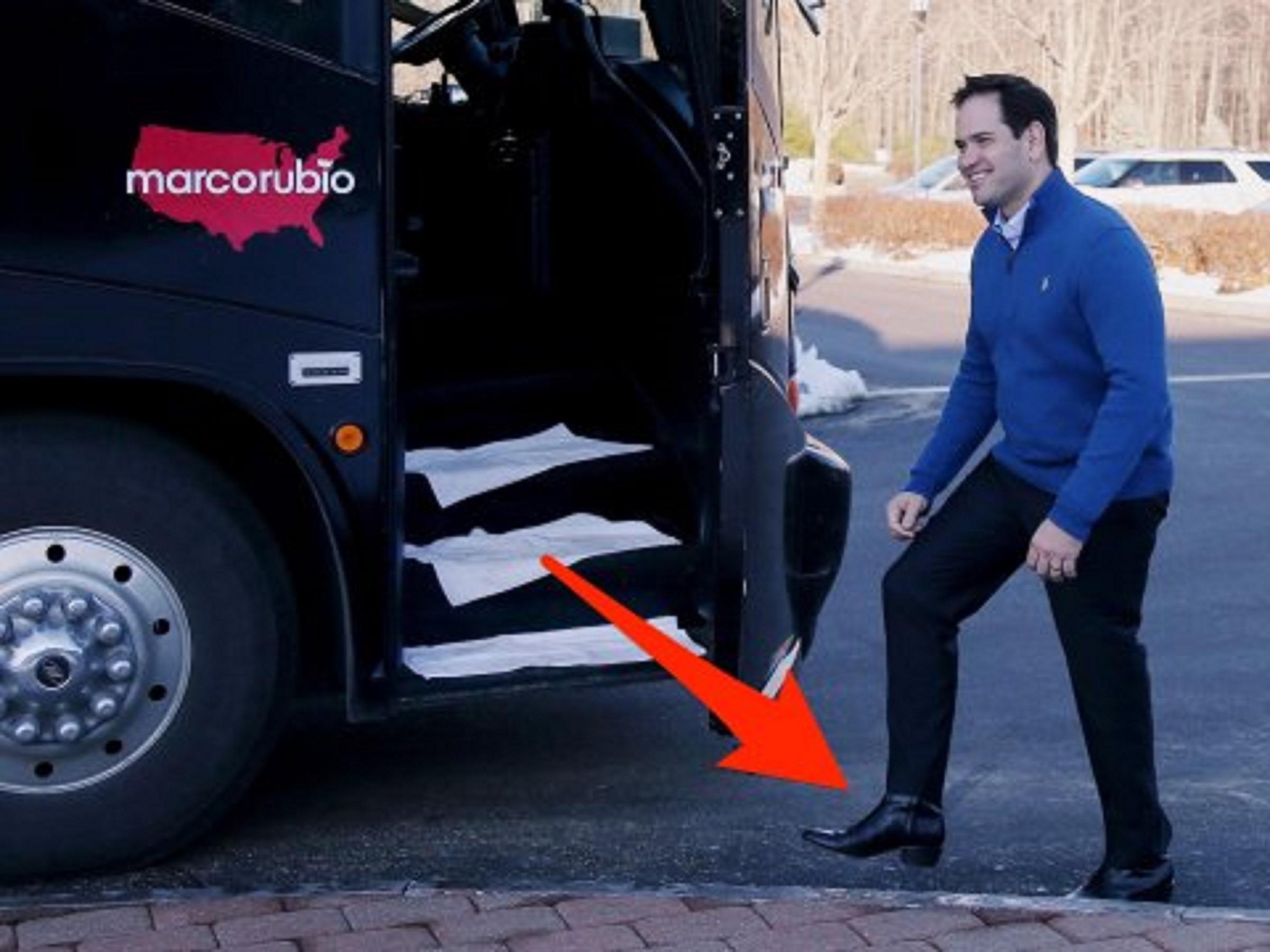 کفشها، سلاح مخفی سیاستمداران برای قدرتنمایی!