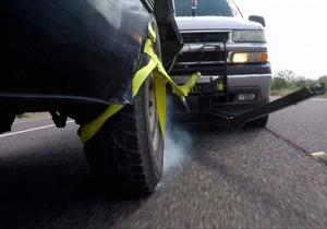 تکنولوژی جدید برای متوقف کردن خودروی مجرمین+فیلم