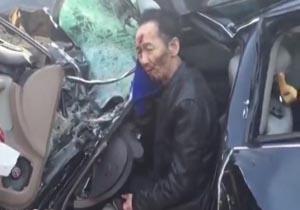زنده ماندن عجیب راننده خودروی سواری پس از تصادف با کامیون + فیلم