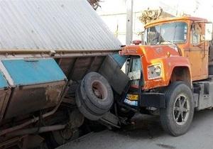 برخورد مرگبار کشنده بنز با کامیون کشنده ماک