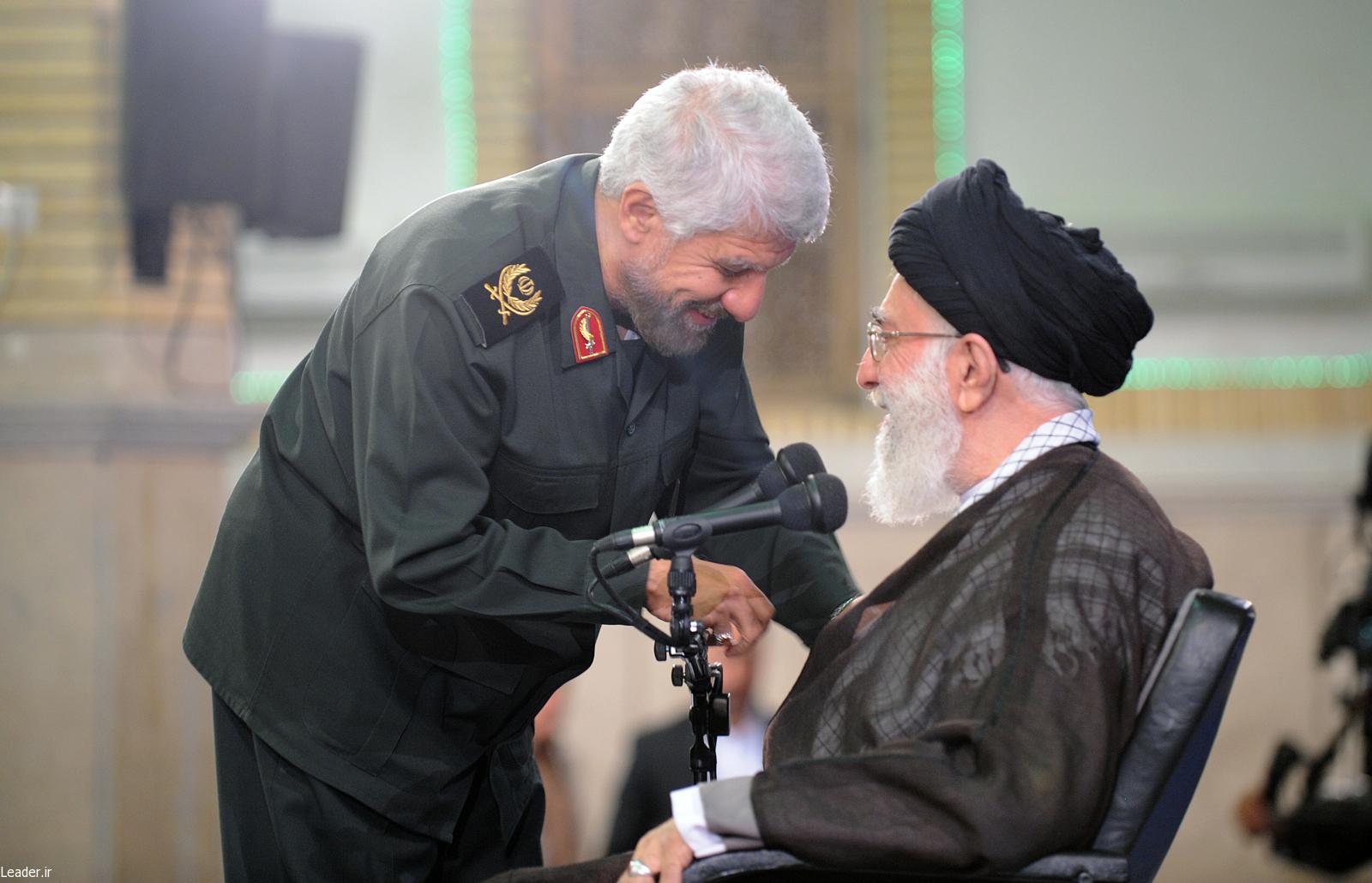 مداحی حاج صادق آهنگران در محضر رهبر انقلاب اسلامی