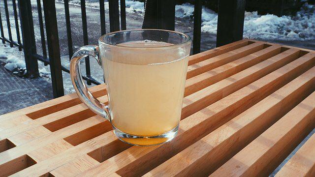 یک پیشنهاد گرم برای روزهای سرد/ نوشیدنی جادویی زمستانی+طرز تهیه
