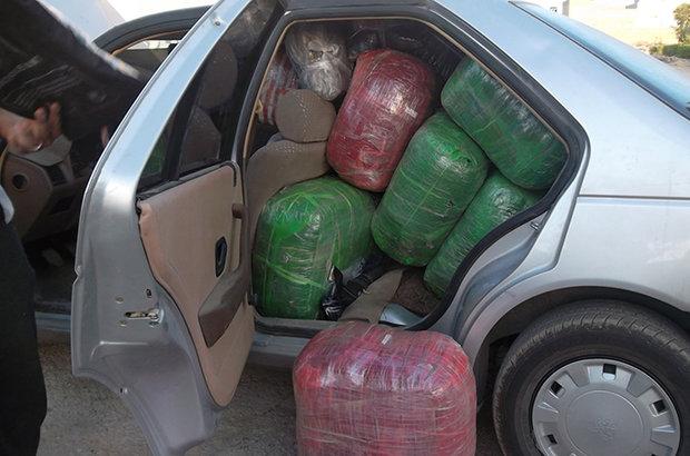 توقیف ۲۵ دستگاه خودروی حامل کالای قاچاق در دشتستان