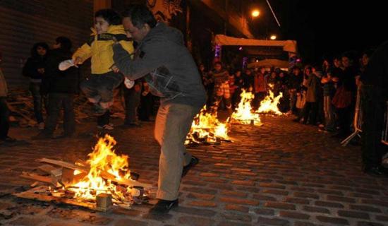 شادی و آرامشی که در آتش چهارشنبه سوری میسوزد/ مرگ برای همسایه است