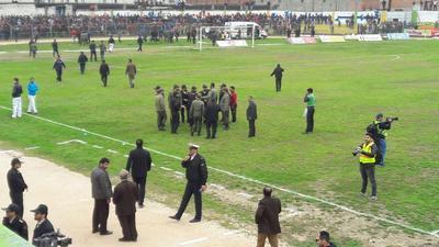 درگیری خونین در دربی مازندران/بازی نیمهتمام ماند/کمیته انضباطی رای نهایی را صادر میکند