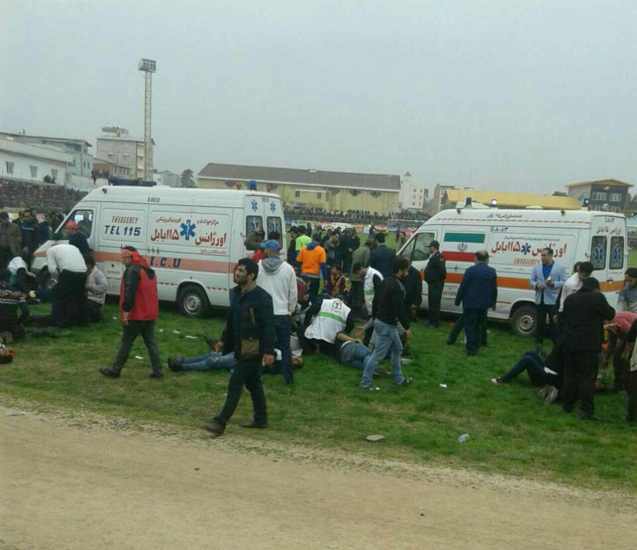 درگیری خونین در دربی مازندران/ بازی نیمه تمام ماند/ کمیته انضباطی رای نهایی را صادر می کند + تصاویر