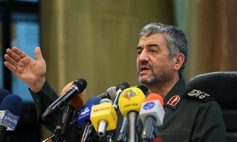 روز به روز درحال گسترش توان دفاعی هستیم/ بههم ریختگی دنیای استکبار از نتایج انقلاب اسلامی است
