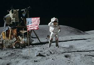 آیا سفر به ماه دروغ بود؟
