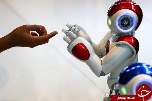 از بازی با ربات انساننما تا کنفرانس خبری مرکل و ترامپ
