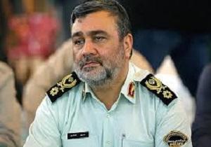 ادای احترام فرمانده نیروی انتظامی به مقام شامخ شهدا