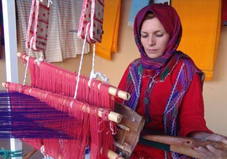 ابریشم بافی رامیان اثری ملی با تار و پود تاریخ و هنر