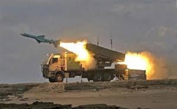باشگاه خبرنگاران -رزمایش سپاه با پرتاب راکت های هوشمند