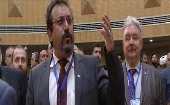 باشگاه خبرنگاران - شعرخوانی یکی از اعضای حاضر در کنفرانس بینالمللی حمایت از انتفاضه فلسطین در حضور رهبر انقلاب + فیلم