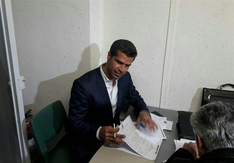 چه کسانی برای ثبت نام در انتخابات شورای شهر تهران در فرمانداری حضور یافتند؟+ تصاویر
