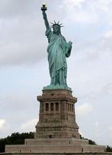 باشگاه خبرنگاران -خوش آمد گویی مجسمه آزادی به پناهندگان!