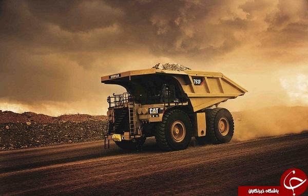 نبرد غول پیکرترین کامیون دنیا با خودروی سواری + فیلم