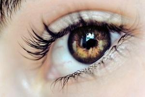 با دیدن این علائم در چشم ها باید به ایدز و سرطان شک کرد!