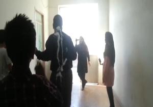 دانلود فیلم معلمی که در روز معلم با شوخی دانشآموزان آتش گرفت!