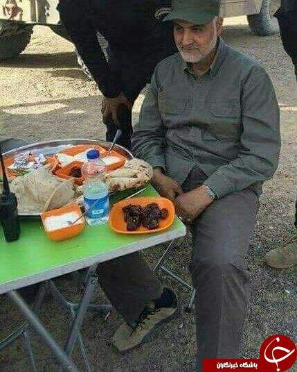 غذایی که سردار سلیمانی در جبهات می خورند+عکس