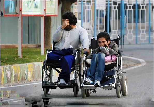 خانوادههای معلولان صاحبخانه میشوند