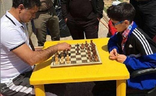 مسابقه علی دایی با پدیده شطرنج ایران